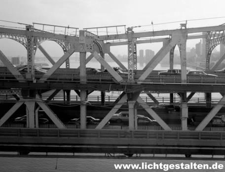 New York Manhattan Bridge Skyline 1994
